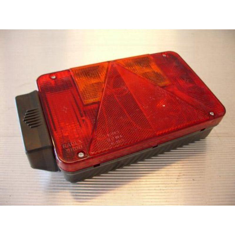 Radex 5800 – Baglygte, Højre M/ Nr. Pladelygte Og 2 Stik