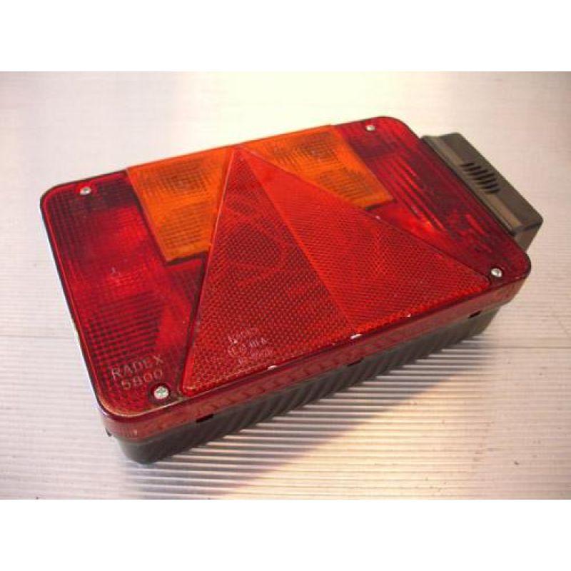 Radex 5800 – Baglygte, Venstre M/ Nr. Pladelygte Og 2 Stik